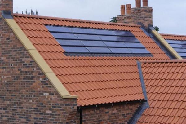 Dachówka solarna MAX i dachówka ceramiczna H2 | Edilians-Zamarat