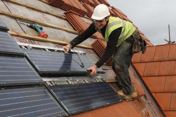 Montaż Dachówek Solarnych