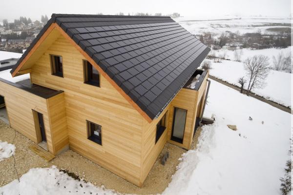 Dachówka fotowoltaiczne  ALPHA SOLAR i dachówka ceramiczna ALPHA 10 | Edilians-Zamarat (2)