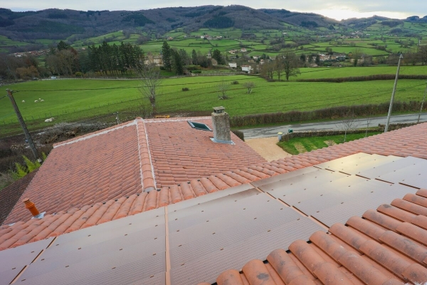 Dachówka solarna MAX i dachówka ceramiczna Canal Gironde Edilians -Zamarat