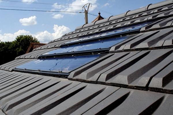 Dachówka fotowoltaiczne  PV i dachówka ceramiczna RHONA 10 | Edilians-Zamarat (2)