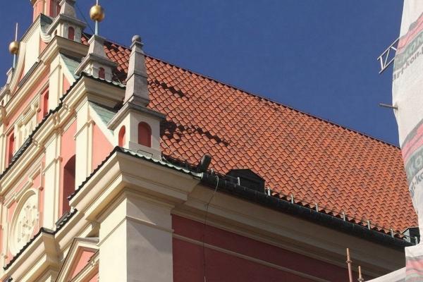 Dachówka ceramiczna Omega 10 Ste Foy - Rouge Nuance - Sanktuarium Matki Bożej w Warszawie na Starym Mieście