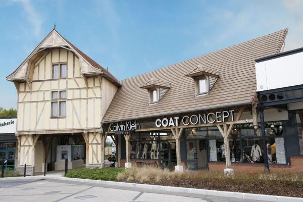 Dachówka ceramiczna ARBOISE RECTANGULAIRE. Dachówka zabytkowa i elegancka. ARBOISE Rectangulaire to dachówka sprawdzona, zabytkowa i elegancka, produkowana jest w Commenailles w regionie Franche-Comte. Wykonana w nowoczesnej technologii zakładkowej, która z uwagi na łatwość montażu sprawdza się w dachówkach najnowszej generacji